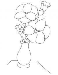 Большие цветы в вазе