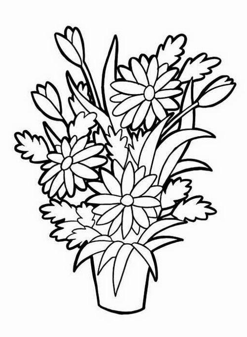 Пышный букет цветов в вазе